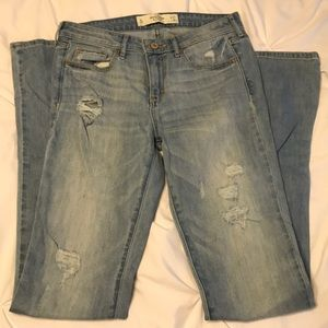 Abercrombie and Fitch Light Wash Boot Cut Jean 4L